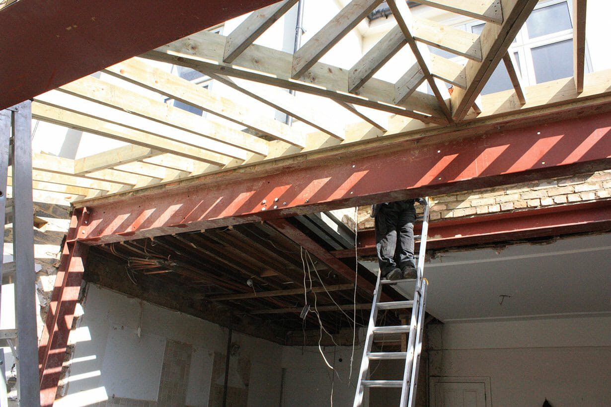 Steel and wood extension structure